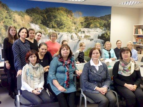 Kurčiųjų reabilitacijos centrų ir organizacijų vadovai parengė pristatymus savo miesto Savivaldybei apie reabilitacijos centrą, vykdomas veiklas ir teikiamas paslaugas