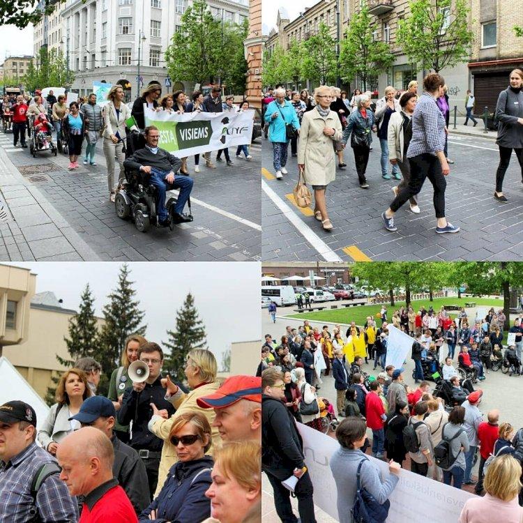 """Kurtieji dalyvavo neįgaliųjų eitynėse """"Už miestą visiems"""""""