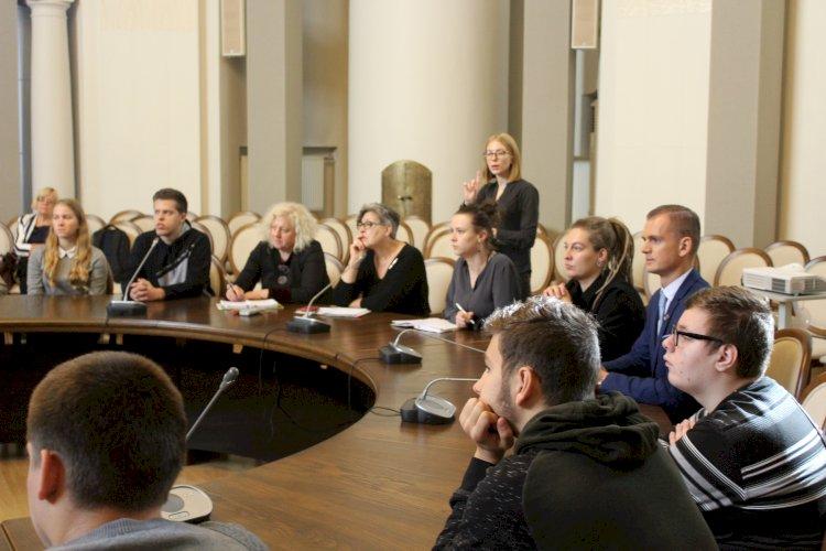 Gestų kalbos teisė vaikams diena paminėta LR Švietimo, mokslo ir sporto ministerijoje