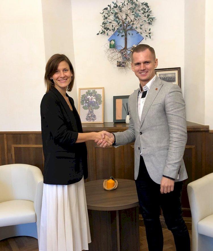 VšĮ Surdologijos cetras reorganizuojamas į Gestų kalbos institutą, keičiasi vadovė!